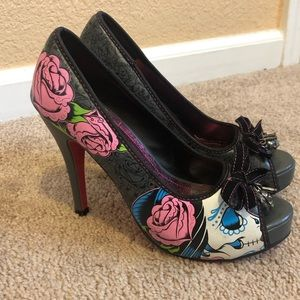 e41305f4534 Iron Fist. Iron fist roses   skull high heels sz 7 unique
